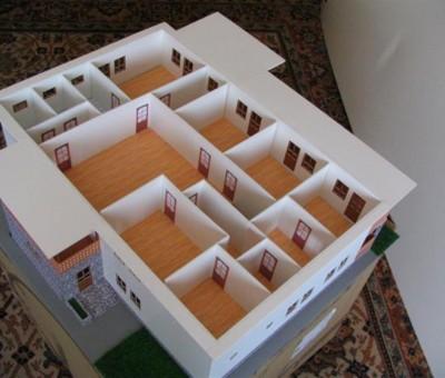 Machetă de casă cu interioare